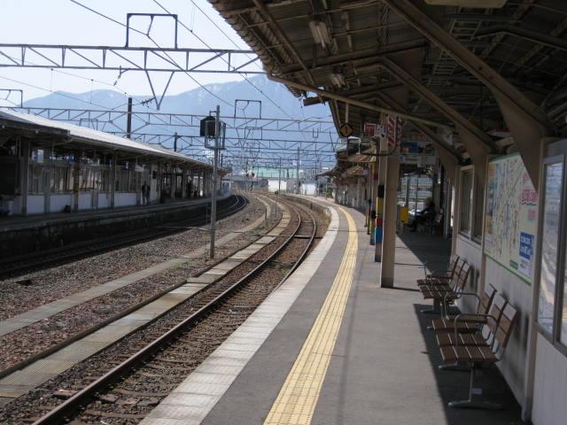 jr-tsuruga11.JPG
