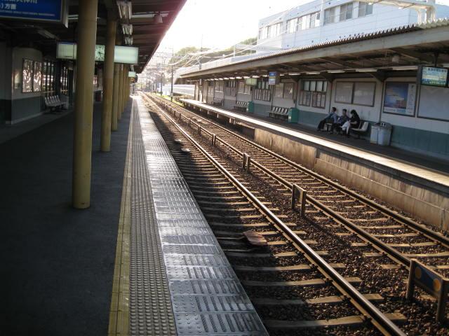 keihan-yamshina3.JPG