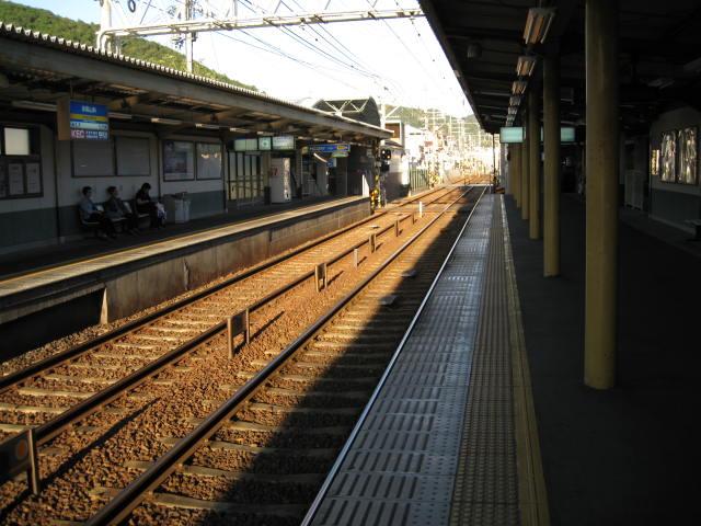 keihan-yamshina6.JPG