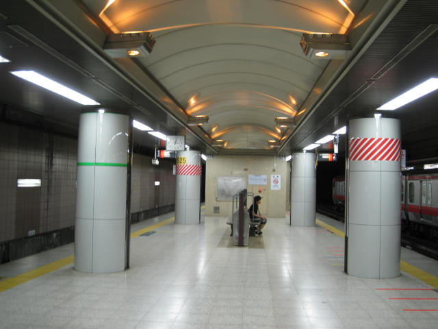 jr-tokyo120.JPG
