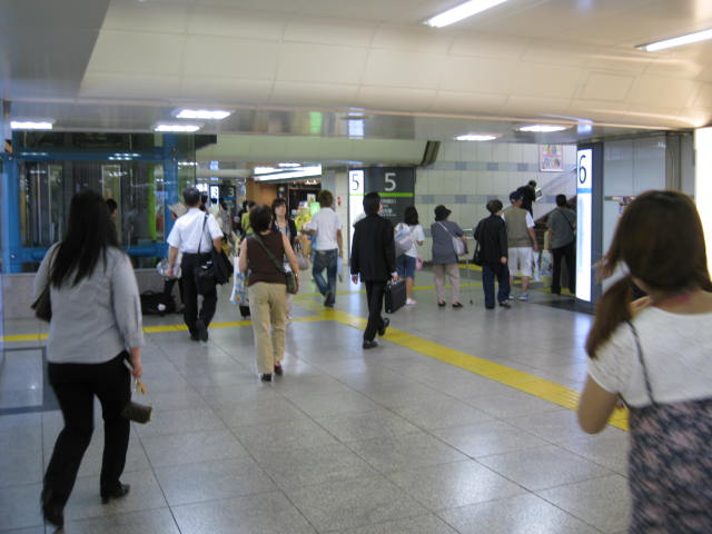 jr-tokyo36.JPG